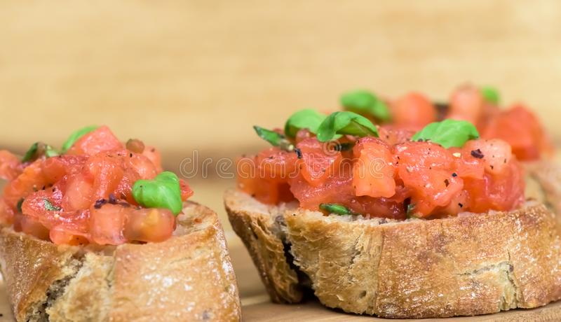 Bruschette - repas italien sain photographie stock