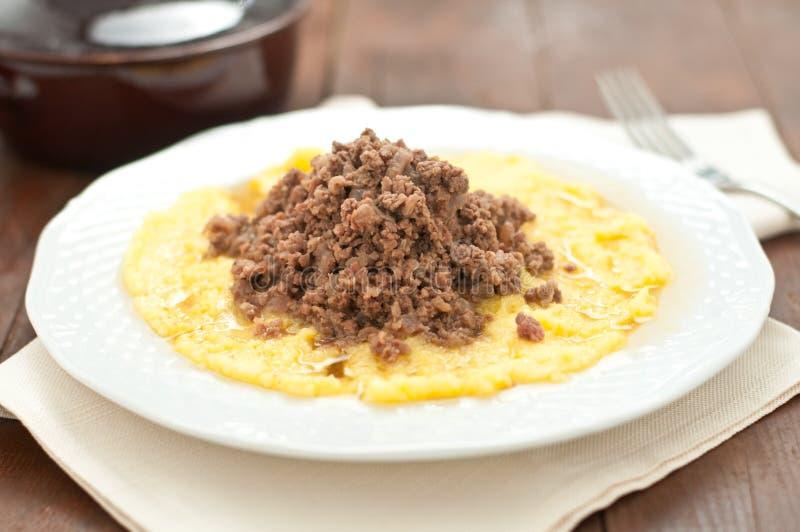 Bruscitt e prato italiano do polenta que você faz no inverno imagens de stock