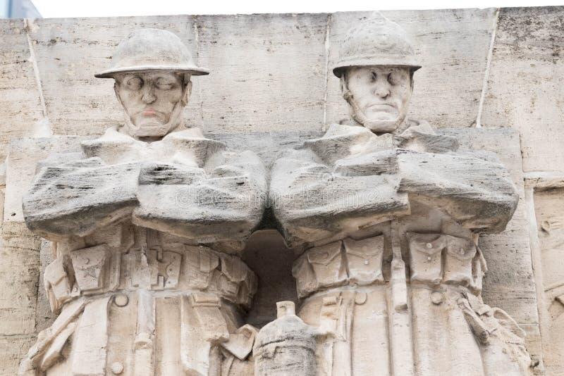 Bruselas/Belgium-01 02 19: Soldados británicos del monumento del monumento de guerra en Bruselas en el lugar Poelaert fotos de archivo libres de regalías