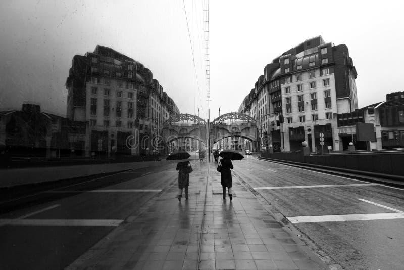 Bruselas en la lluvia fotografía de archivo libre de regalías