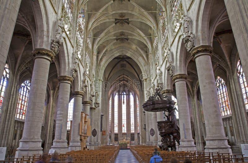 Bruselas - iglesia gótica Notre Dame du Sablon fotos de archivo