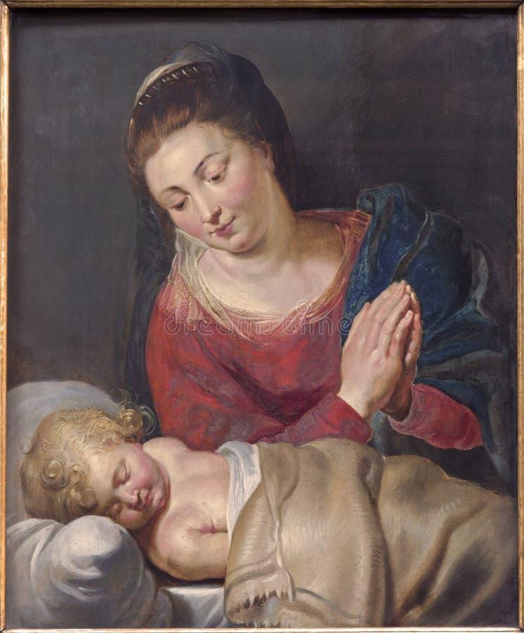 Bruselas - Madonna y pacis el dormir los pequeños Jesus Maria - Maria de la paz (1716) por el pintor desconocido en la iglesia de fotografía de archivo