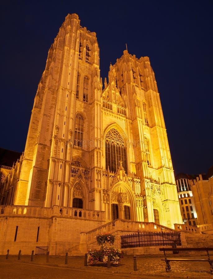 Bruselas - San Miguel y catedral gótica de Gudula del santo foto de archivo libre de regalías