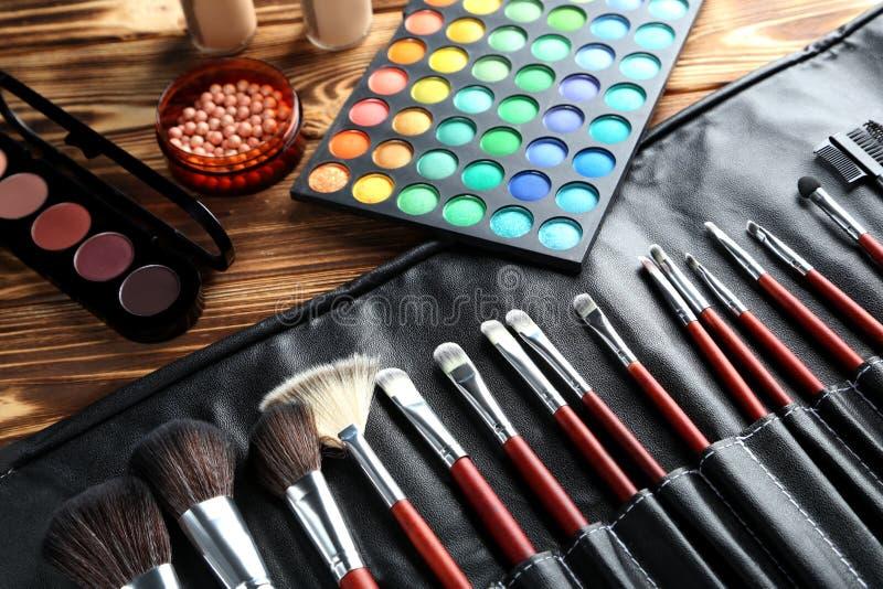 brushes skönhetsmedelmakeup royaltyfri foto
