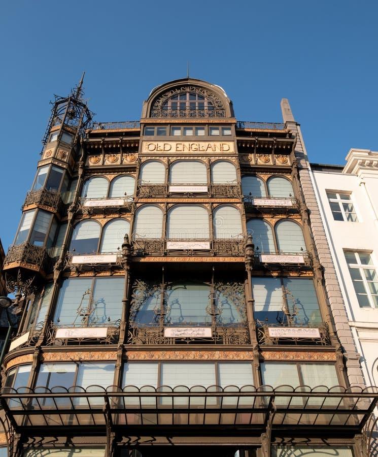 Brussel, Belgi?: Voorgevel van Art Nouveau Musical Instruments Museum, zodra een warenhuis Oud Engeland riep royalty-vrije stock fotografie