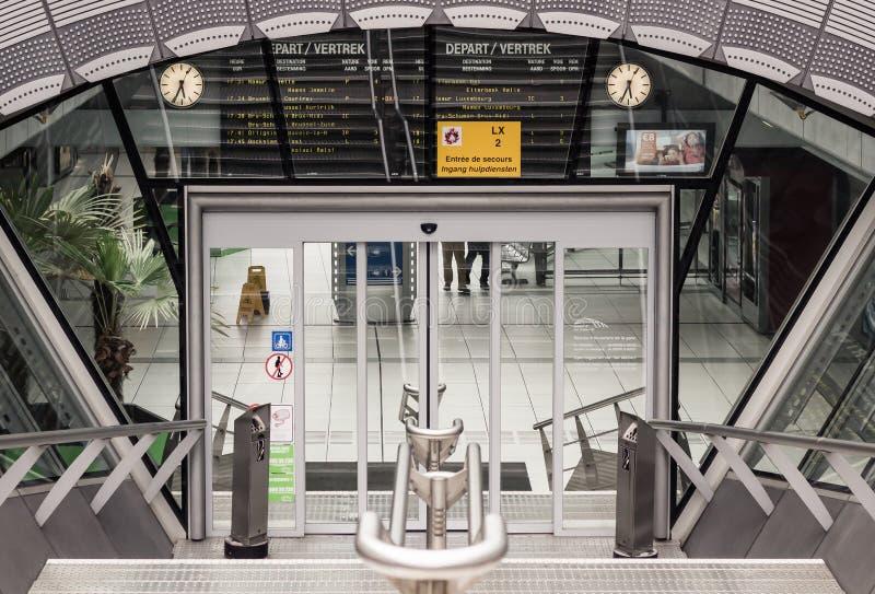 Brussel-Luxemburg järnvägsstation i Bryssel, Belgien royaltyfri foto