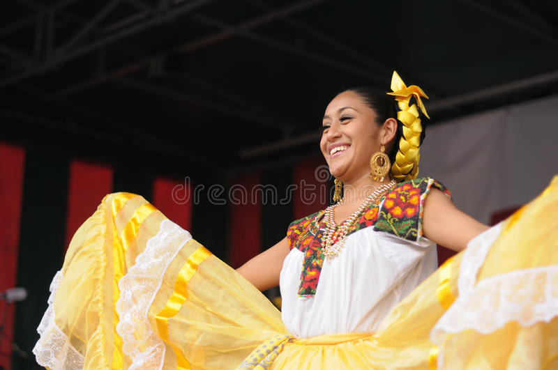 Download Xochicalli Mexican Folkloric Group Editorial Photography - Image: 30153847