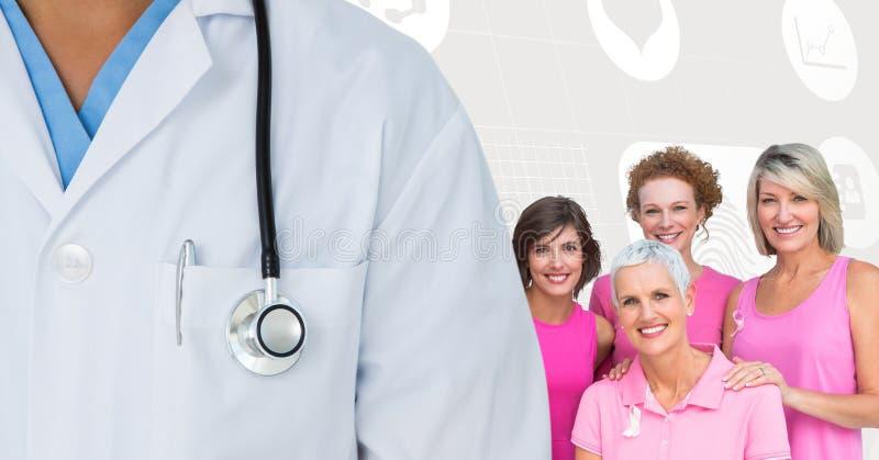 Brustkrebsdoktor und -frauen mit rosa Bewusstseinsbändern stockfoto