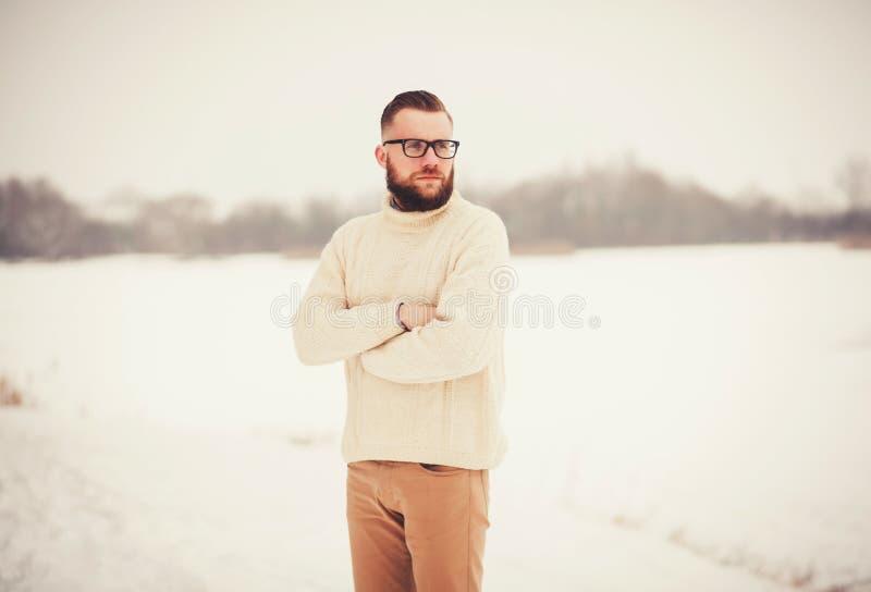Brutaal portret van een mens met een baard royalty-vrije stock afbeeldingen
