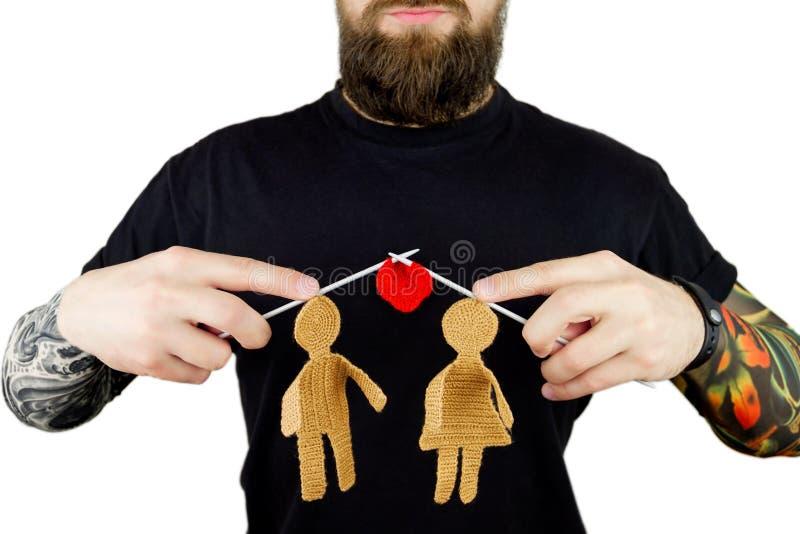 Download Brutale Mens Met Baard En Tatoegering Stock Afbeelding - Afbeelding bestaande uit mens, rijp: 107701693