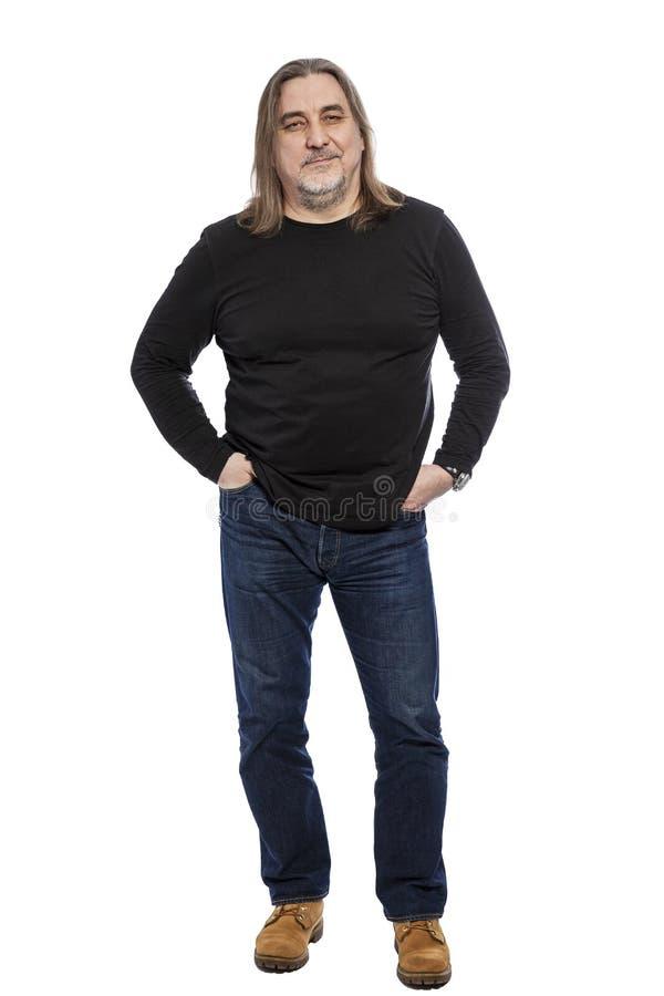 Brutale mens op middelbare leeftijd met lang haar, van gemiddelde lengte Ge?soleerd op een witte achtergrond royalty-vrije stock afbeeldingen