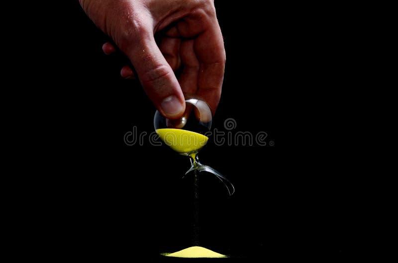 Brutet Glass timglas royaltyfria bilder