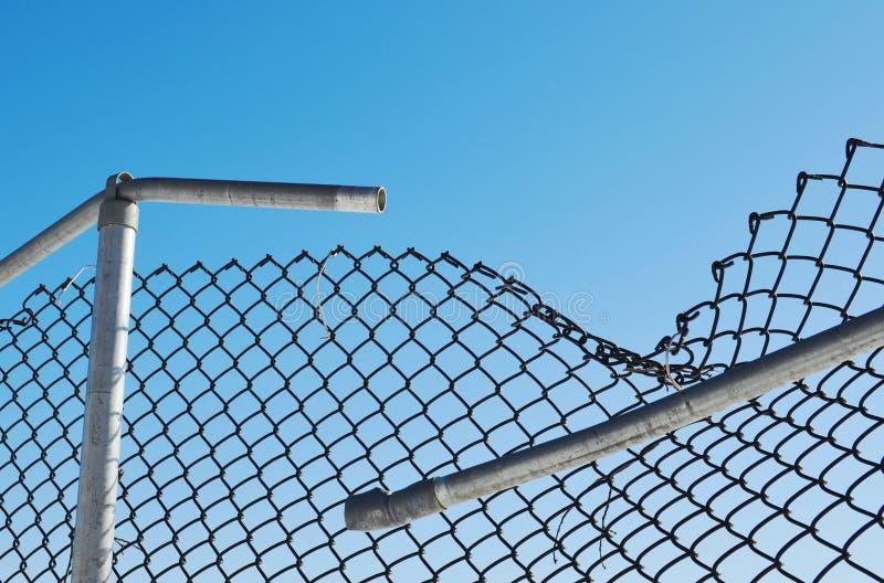 Brutet staket arkivfoto