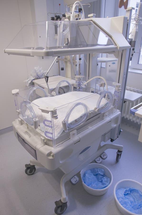 Brutkasten für neugeborenes lizenzfreie stockbilder