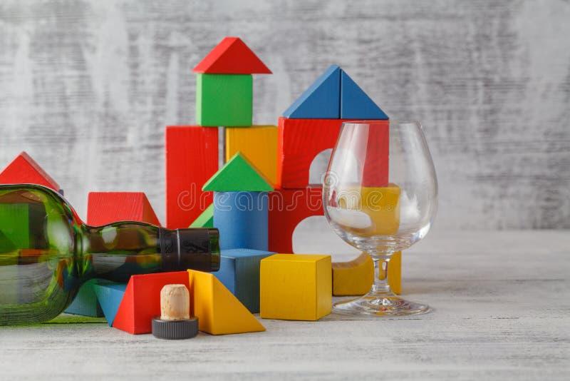 Brutna kraschat torn för leksak kuber royaltyfri fotografi