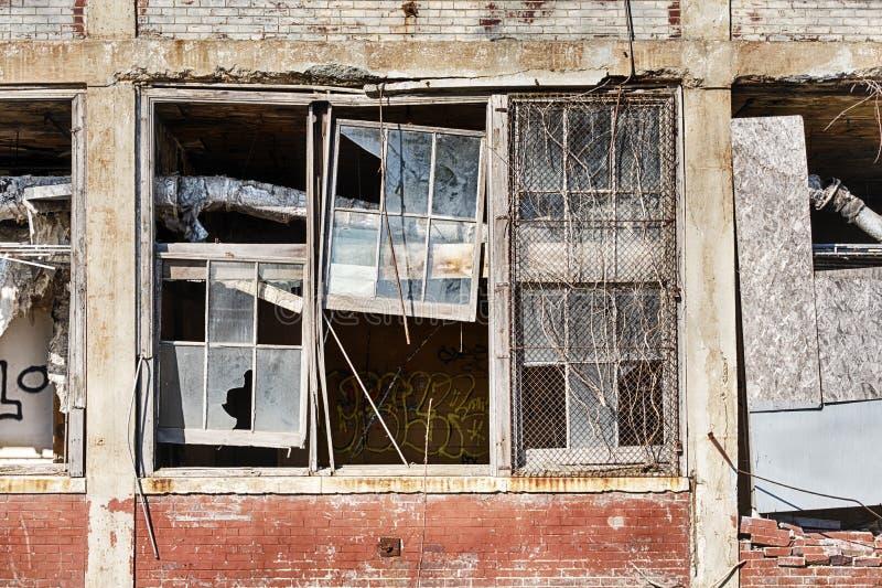 Brutna Windows av Packarden Bila Företag royaltyfri fotografi