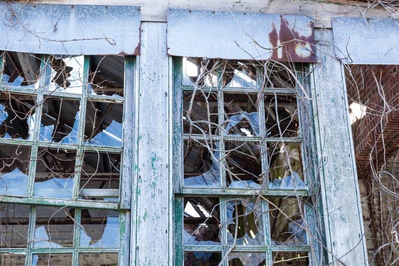 Brutna Windows på Sandy Hook arkivfoton