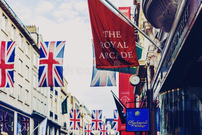 Bruton ulica w zamożnym terenie Mayfair w Londyńskim miasta cen obraz stock