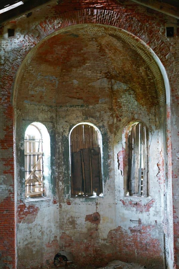 Brutto Crescenta, den gamla byggnaden för Lutherankyrka 1891 för röd tegelsten royaltyfri foto