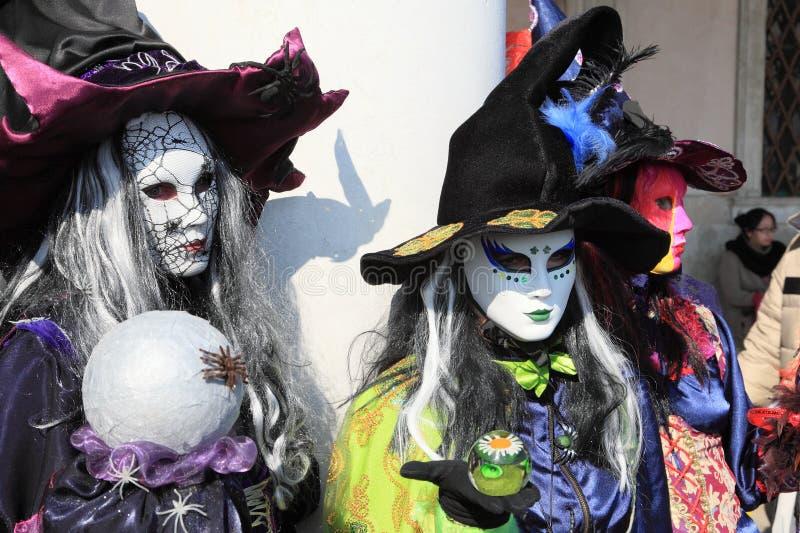 Bruxas mascaradas fotografia de stock royalty free