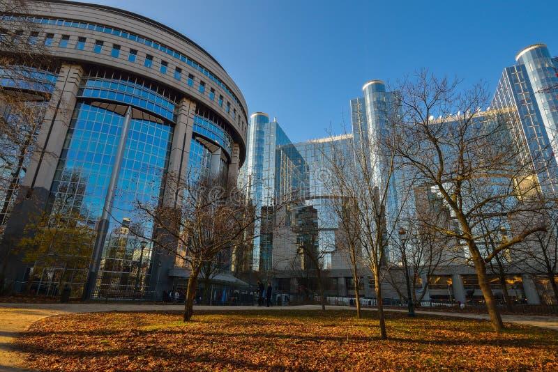 BRUXELAS, BÉLGICA - 5 de dezembro de 2016 - construção do Parlamento Europeu em Bruxelas foto de stock royalty free