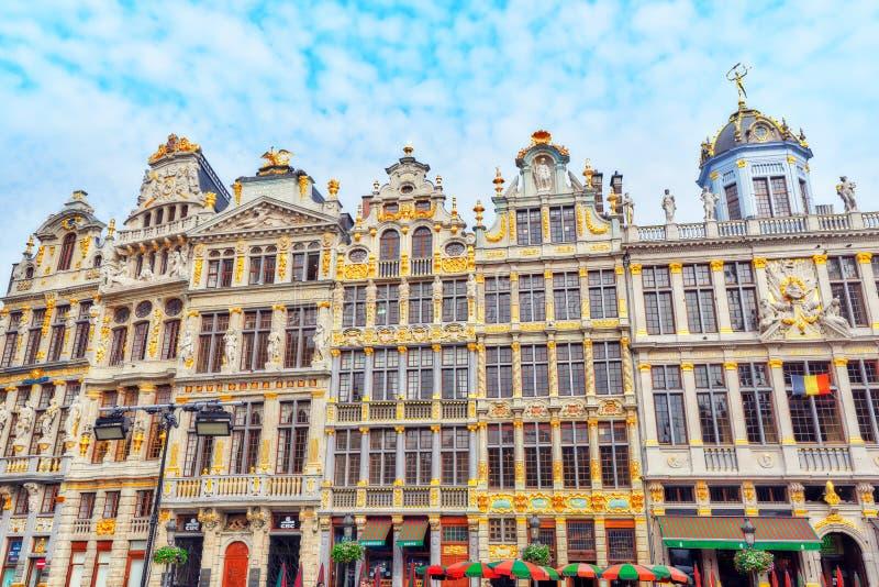 BRUXELAS, BÉLGICA - 7 DE JULHO DE 2016: Capelas no Plac grande foto de stock