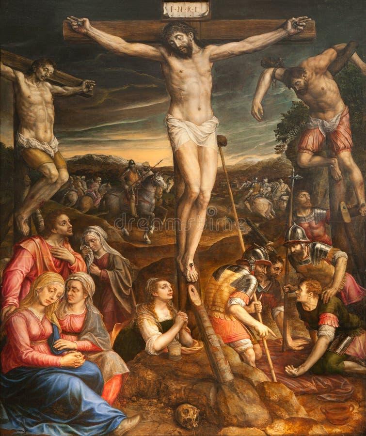 BRUXELAS, BÉLGICA - 22 DE JUNHO DE 2012: Crucificação de Jesus Pintura de St Michael e de catedral de Gudula de Saint por Michael imagem de stock royalty free