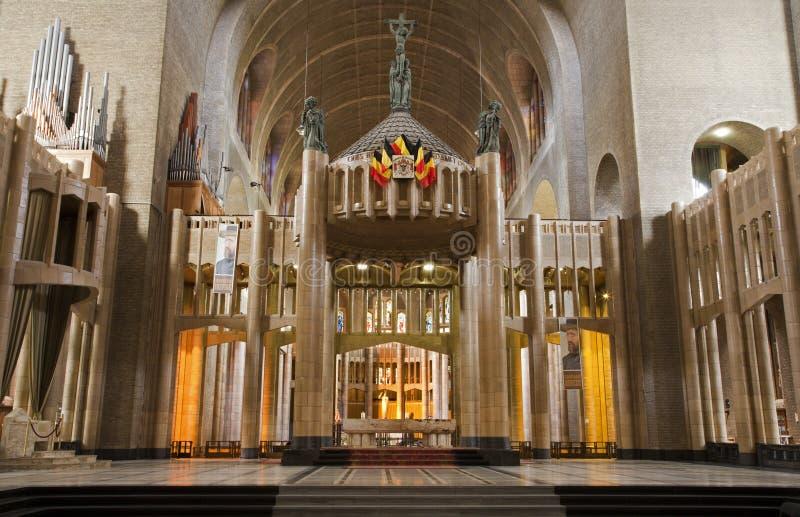 Bruxelas - Nave da basílica do coração sagrado foto de stock royalty free