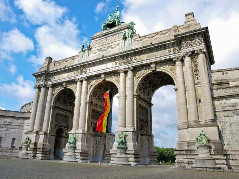 Bruxelles - arco trionfale fotografia stock libera da diritti