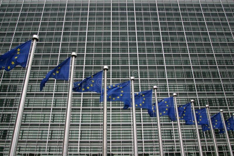 BRUXELLES BELGIEN - JULI 2007: Europeiska kommissionen i Bruxelles royaltyfri foto