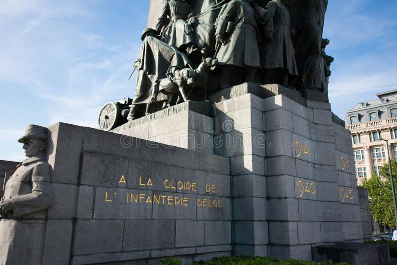 Bruxelles, Belgique - 11 août 2018 : Monument de Bruxelles aux soldats morts dans la première et deuxième guerre mondiale sur l'e photo stock