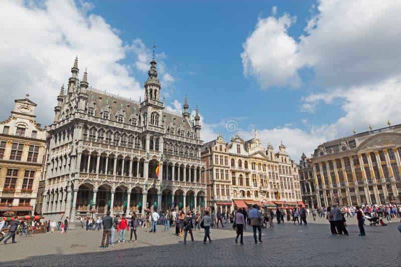 Bruxelles - il quadrato principale Grote Markt e grande palazzo immagine stock