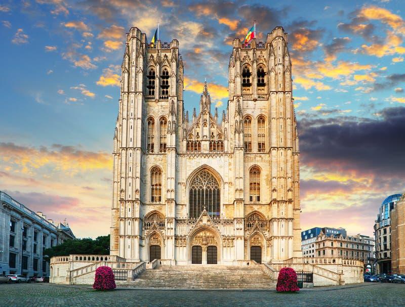 Bruxelles - St Michael e cattedrale della st Gudula immagini stock