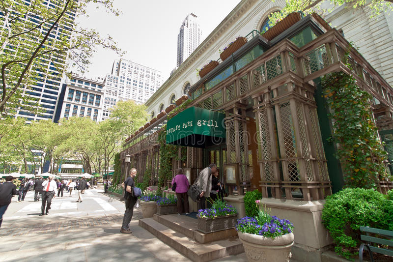 Download Bryant Park And Buildings, New York City Editorial Stock Photo - Image: 33517768