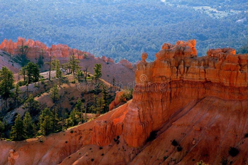 Download Bryce峡谷日出 库存照片. 图片 包括有 游人, 犹他, 侵蚀, 形成, 公园, 砂岩, 岩石, 旅行, 峡谷 - 176658