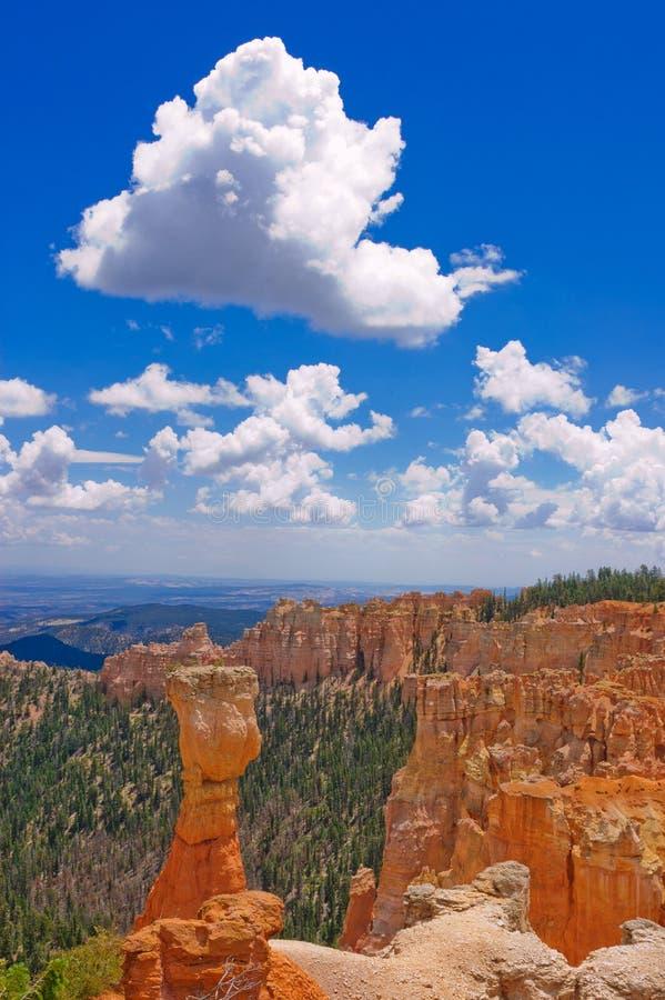 Download Bryce Canyon immagine stock. Immagine di cumulus, naturalizzato - 30825977