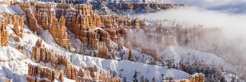 Bryce Canyon Hoodoos Foggy Panorama image stock