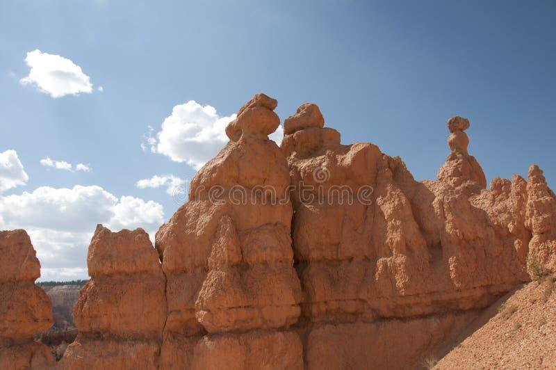 Bryce Canyon Hoodoos met Bewolkt Hemellandschap stock fotografie