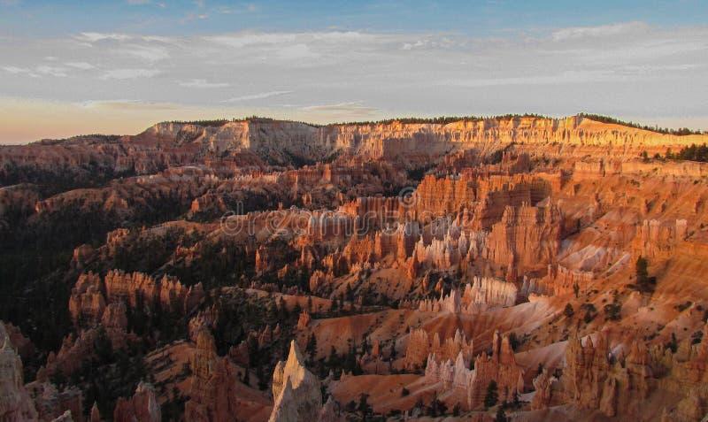 Bryce Canyon Hoodoos morgens hell lizenzfreie stockfotografie