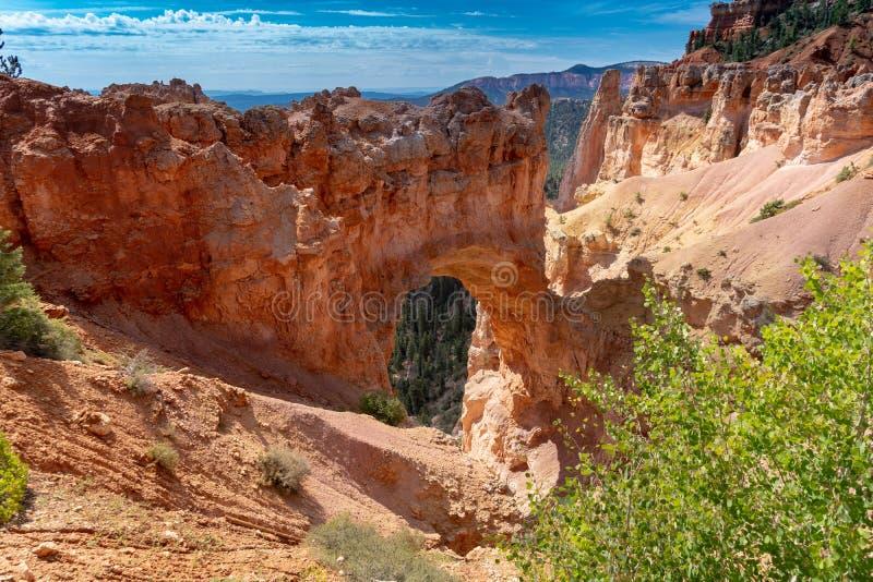 Bryce Canyon National Park - ideia da formação de rocha natural da ponte em Utá foto de stock