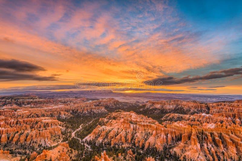 Bryce Canyon no alvorecer fotografia de stock royalty free