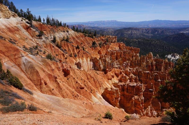 Bryce Canyon rockscape. Hoodoos, pine trees and red rock at Ponderosa Point, Bryce Canyon National Park, Utah stock photos