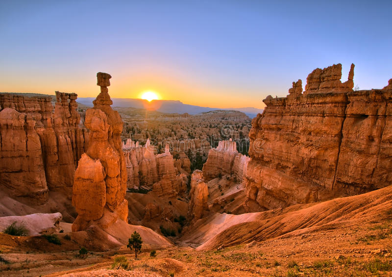 Bryce kanjonsoluppgång arkivbilder