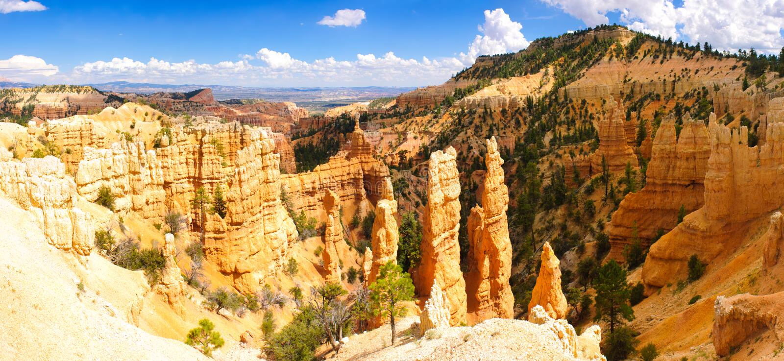 Download Bryce panorama stock photo. Image of outdoor, hilltop - 20928998