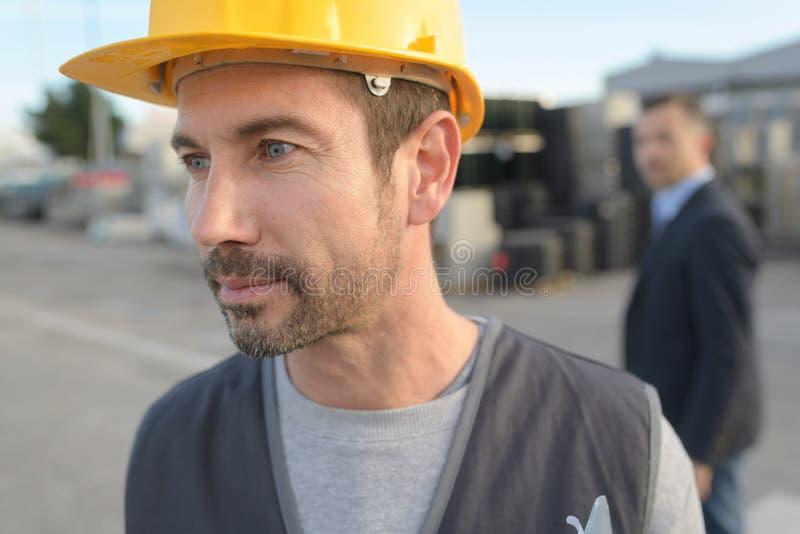 Brygadier budowy inżyniera pracownika portret zdjęcia stock