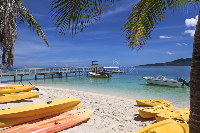 Brygga på ön royaltyfri foto