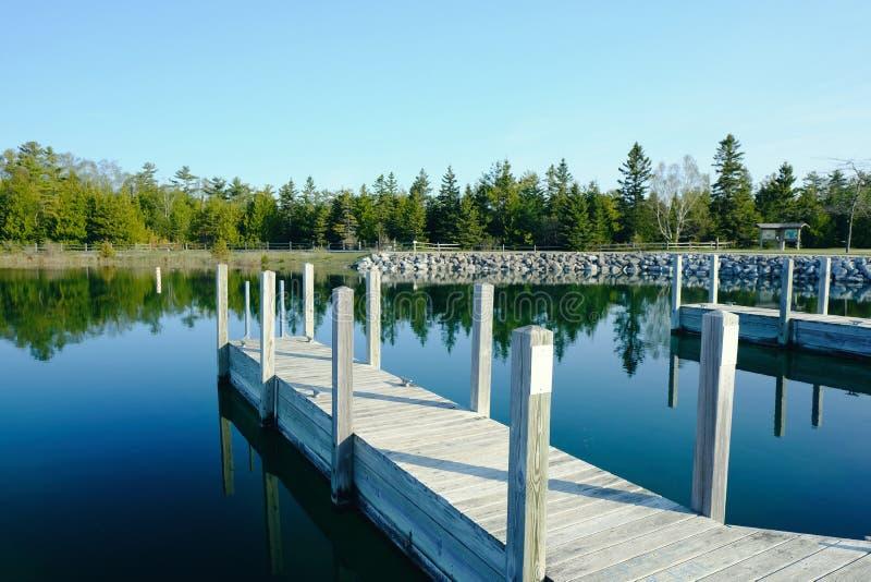 Brygga på Lake Huron royaltyfria foton