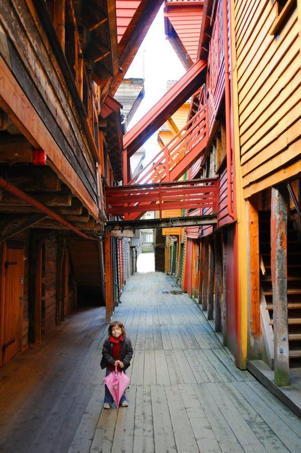 bryggen女孩少许村庄 图库摄影