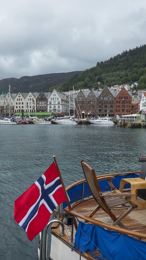 Bryggen, famose case in legno di colore del vecchio quartiere storico del porto di Bergen, Norvegia fotografia stock