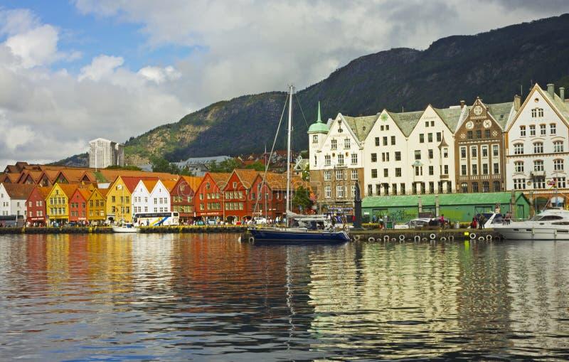 Bryggen in het historische centrum van Bergen, Noorwegen stock afbeelding